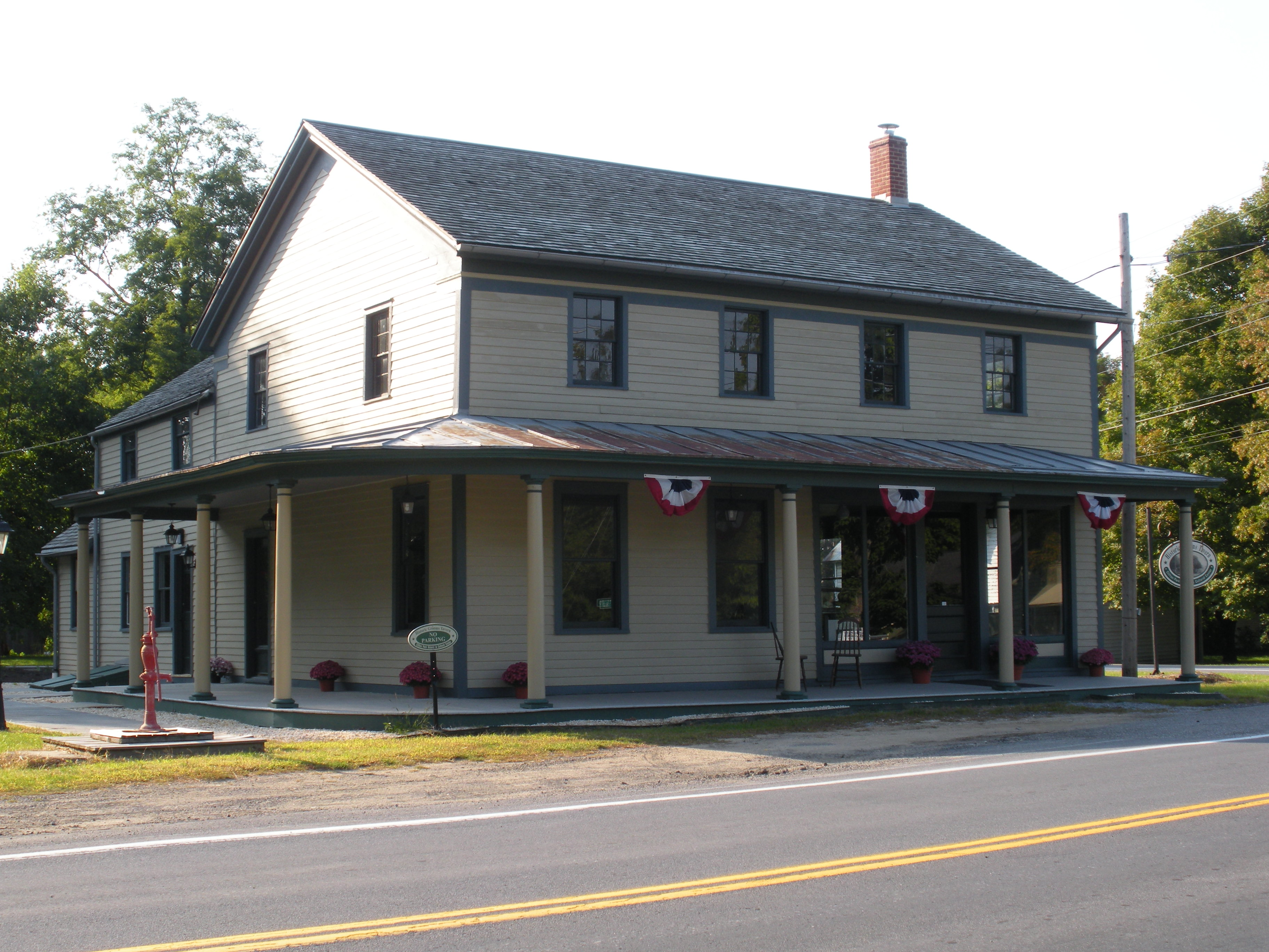 Historic Grooms Tavern